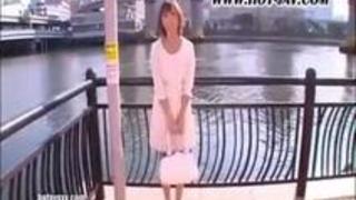 《並木優》イヤらしい腰使いのスレンダー美乳美少女とイチャラブセックス!!