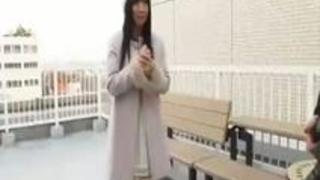 [逆ハーレム]多数のオナ禁チンポが勃起させ待機「我慢汁凄い♡」スケベ美女が生ハメのセックスでノンストップ連続種付け[大槻