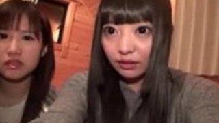 【素人自撮り】パイパンの素人美少女の自撮りレズプレイ動画!【xvideos動画】