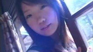 【xvideos】和室の畳部屋で制服美少女が痴女っぽく自分で裸になってく擬似セックス作品がド変態過激イメージビデオw