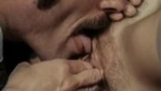 ヒラリー・サマーズ、京都日、ヴィンテージポルノビデオでLaurienドミニク