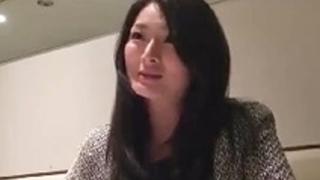 舞ワイフ長谷川妙子 寂しさからSNSを活用して不倫してる妖艶な人妻【竹内紗里奈】