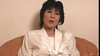 【無修正】極太に喘ぐ段腹熟女!