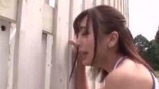 美人娘陸上部員(佐々波綾)がトレーニングで火照った体をコーチと青姦中出しで解消!