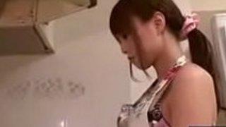 【吉沢明歩】旦那と義父に朝っぱらからフェラチオせがまれる美人妻 イクイクXVIDEOS日本人無料エロ動画まとめ