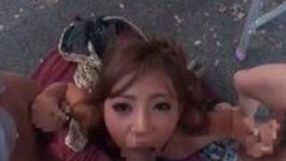 【さくら悠】ボディコンを着た淫乱痴女巨乳ギャルと野外で4P