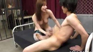 Japanese girl in fishnet stockings got cum on face 网袜日本女孩被群p颜射 ストッキング集団セックス